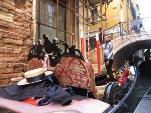 Gondola, at rest